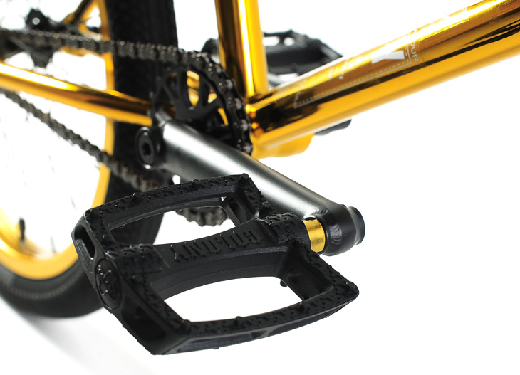 endeavour-gold-pedals
